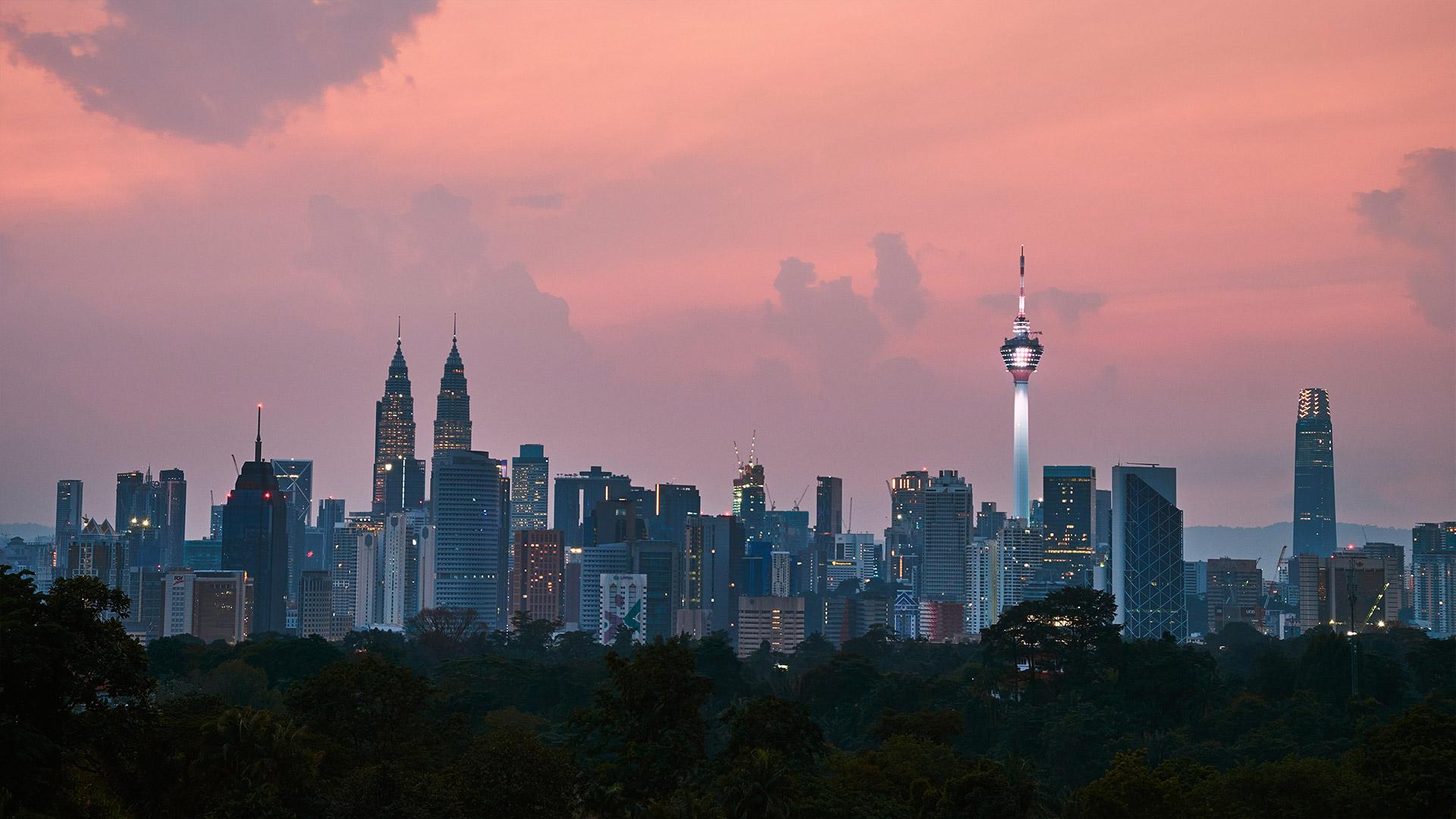 Contact Atrax: Kuala Lumpur, Malaysia | CK Yeo, unsplash | 1920x1080